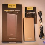 Packaging Easyacc PB8200M avec cordon usb et micro-USB 8200mAh pour batterie externe de secours
