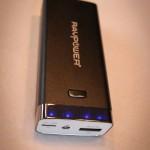Batterie externe de recharge RAVpower luster et indicateur de charge, RP-PB17